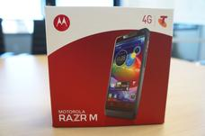 Motorola RAZR M unboxing and first look