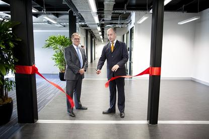 Leighton Contractors managing director, Craig Laslett, and Victoria Minister for Technology, Gordon Rich-Phillips, at the opening of Metronode's Melbourne data centre in August 2012.