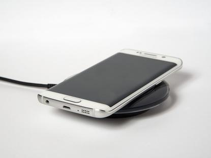 One of the best things about the original GS6 edge is its support for two wireless charging standards (Qi and PMA), which means you can power up your phone using the majority of charging pads and wireless power accessories on the market today.