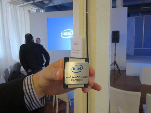 Intel's Xeon E5-2600 v3 chip