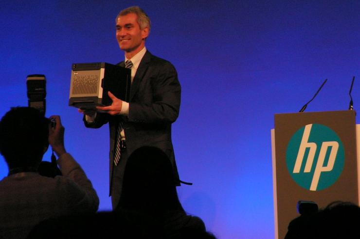 HP COO Bill Veghte shows off the Gen8 MicroServer at the HP World Tour in Beijing.