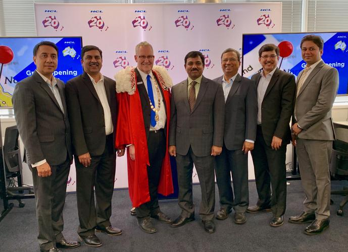 Bhav Dhillon, Honorary Consul of India; Naveed Shafiq, NZ Country Manager, HCL Technologies; Andrew King, Mayor of Hamilton; Muktesh K Pardeshi, High Commissioner of India to New Zealand; and Swapan Johri, Corporate Vice President Asia Pacific and Middle East, HCL Technologies