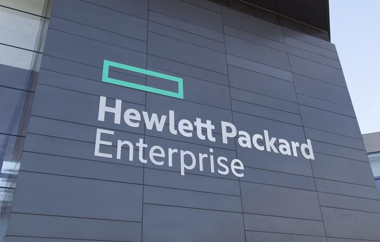 Smart Money Still Has Faith in Hewlett Packard Enterprise Company (NYSE:HPE)