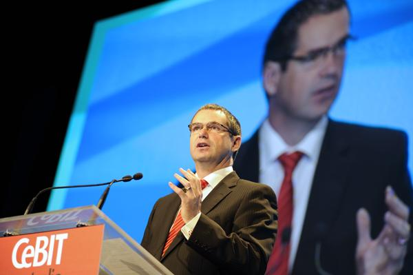 Senator Conroy announces the Digital Economy Strategy at CeBit
