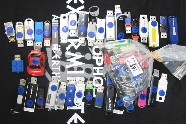 Lucky dip! Lost USB keys bought at NSW RailCorp's lost property auction yield personal data. (Photo: Sophos)