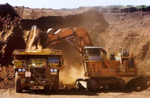 A load and haul iron ore operation in the Pilbara