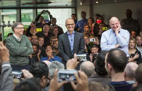 Satya Nadella with Steve Ballmer and Bill Gates before Microsoft employees