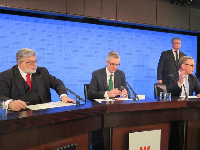 Labor's industry and innovation spokesperson Kim Carr (left) and Christopher Pyne (far right) at an innovation debate on Monday