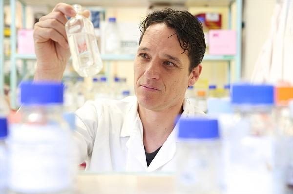 UNSW School of Biotechnology, Biomolecular Sciences and Centre for Marine Bio-Innovation associate professor Torsten Thomas. The university is using a free crowdsourced supercomputer to make 20 quadrillion comparisons of 200 million DNA proteins.