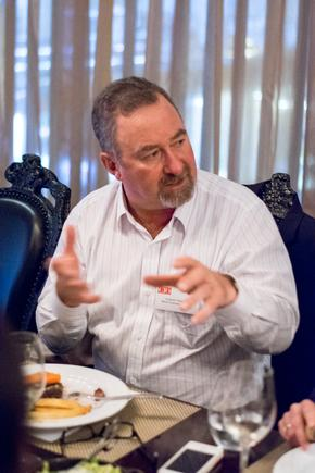 Vaughan Robertson at a CIO roundtable discussion