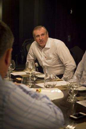 Mike Clarke at a CIO roundtable discussion