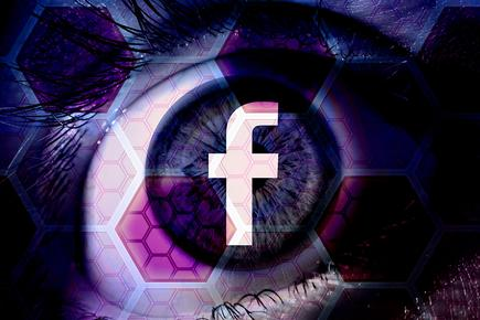 facebook_privacy_security_breach_wide_eye_user_hexagonal_network_connections_by_pete_linforth_thedigitalartist_cc0_via_pixabay_1200x800-100765083-orig.jpg