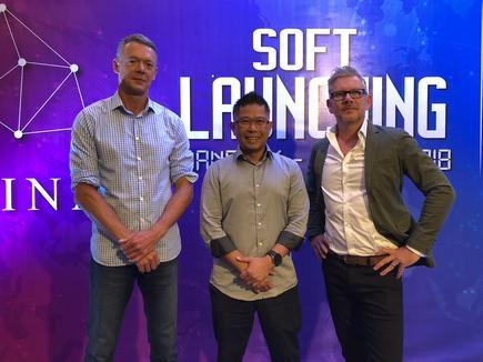 Kiwi tech business experts including 2017 New Zealand chief executive of the year awardee Leigh Flounders and NZTech and FintechNZ chair Mitchell Pham during the launch of blockchain platform Lina.review.