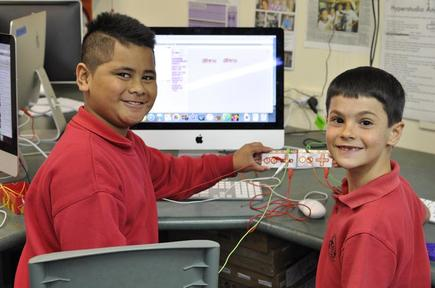 Pt England Primary School students at an OMGTech! workshop