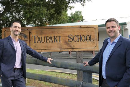 Nathan Bryant-Taukiri, managing director of Potentia with Taupaki School principal Pete Hall