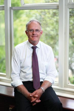 """University of Auckland Vice-Chancellor Professor Stuart McCutcheon : """"We believe the sciences, medicine and engineering are areas of great significance for the future of New Zealand in a global economy."""""""